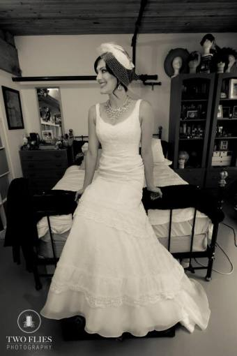 Old Hollywood style birdcage veil